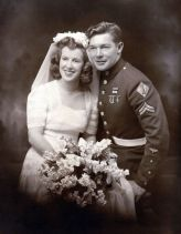1943-wedding-couple