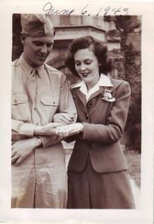 wwii-couple-admiring-rings